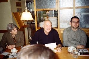 Συνεδρίαση Ε.Λ.Σ.Α.Λ. στο Sofia's, 13/2/2010. Αθηνά Κακούρη, Ανδρέας Αποστολίδης, Νεοκλής Γαλανόπουλος.  Φωτογραφία: Τιτίνα Δανέλλη.