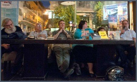 Το πάνελ της εκδήλωσης. Από αριστερά: Κώστας Καλφόπουλος, Ανδρέας Αποστολίδης, Σταύρος Πετσόπουλος, Τιτίκα Δημητρούλια, Χίλντα Παπαδημητρίου και Τεύκρος Μιχαηλίδης.